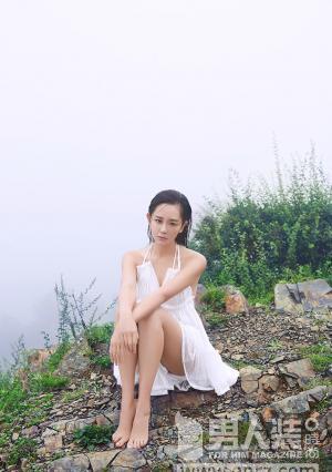 美女海陆拍大尺度写真露事业线