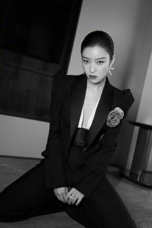 倪妮黑色西服套装性感高级写真图片