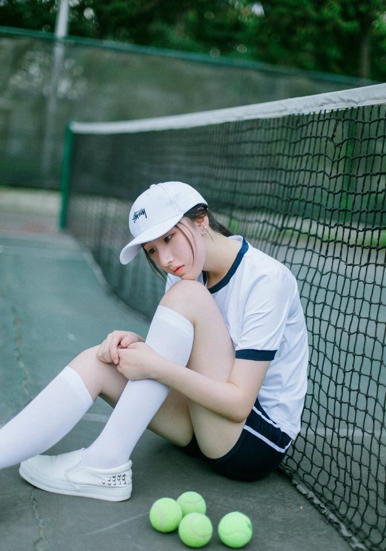 活力甜美网球性感少女清新写真魅力十足