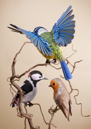 艺术家的手工创意纸制鸟和蝴蝶