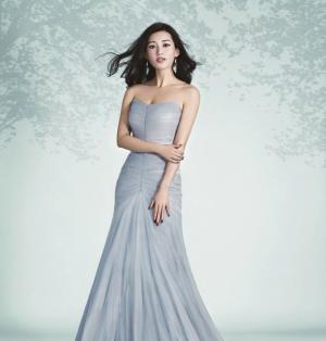 性感女神苏青最新大片长裙拽地