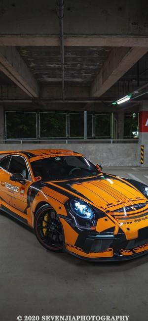 橙色超炫保时捷跑车高清手机壁纸