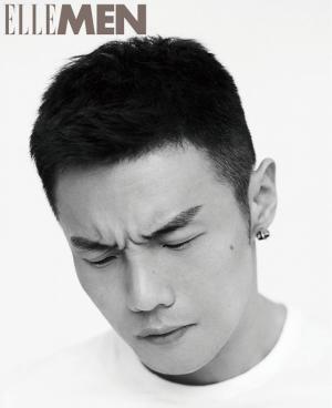 歌手李荣浩杂志写真图片