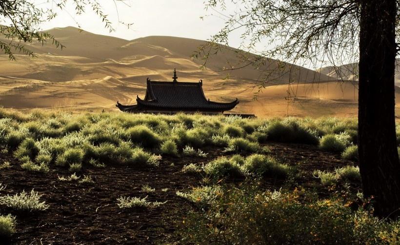 内蒙古巴丹吉林沙漠
