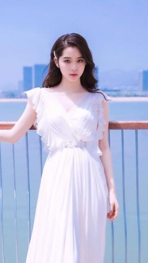 欧阳娜娜温柔白色长裙写真