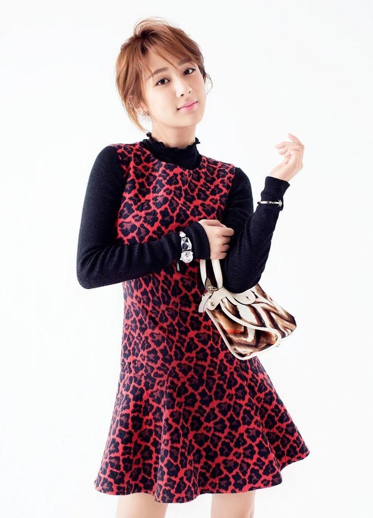 杨紫最新杂志写真大片
