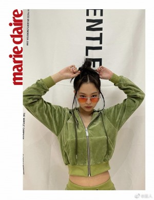 JENNIE牛油果绿运动套装个性酷飒写真图片