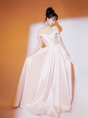 杨紫清新优雅性感写真图片