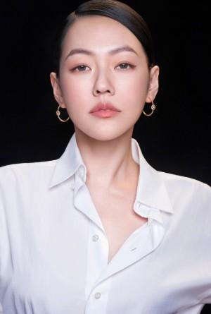 小S徐熙娣白衬衫简约时尚广告大片
