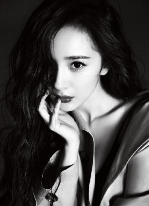 杨幂魅力性感时尚黑白大片