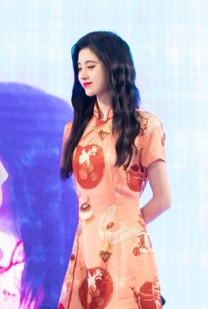 美女明星鞠婧祎旗袍复古写真