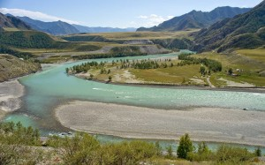 新疆阿尔泰山迷人风景桌面壁纸