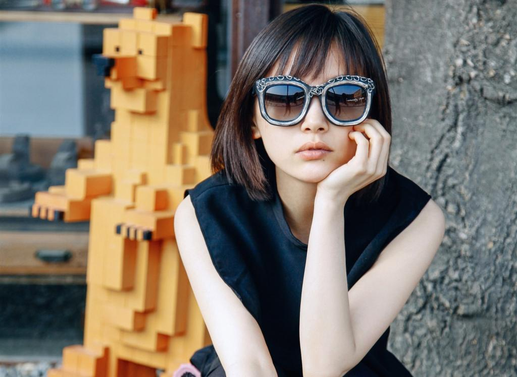 帅气美女演员王子文随性写真