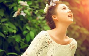 妖精美女的绿野户外唯美时尚写真