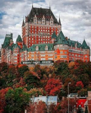 加拿大费尔蒙芳堤娜古堡酒店