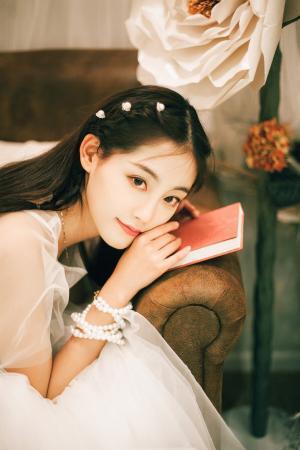 祝绪丹唯美养眼婚纱写真图片
