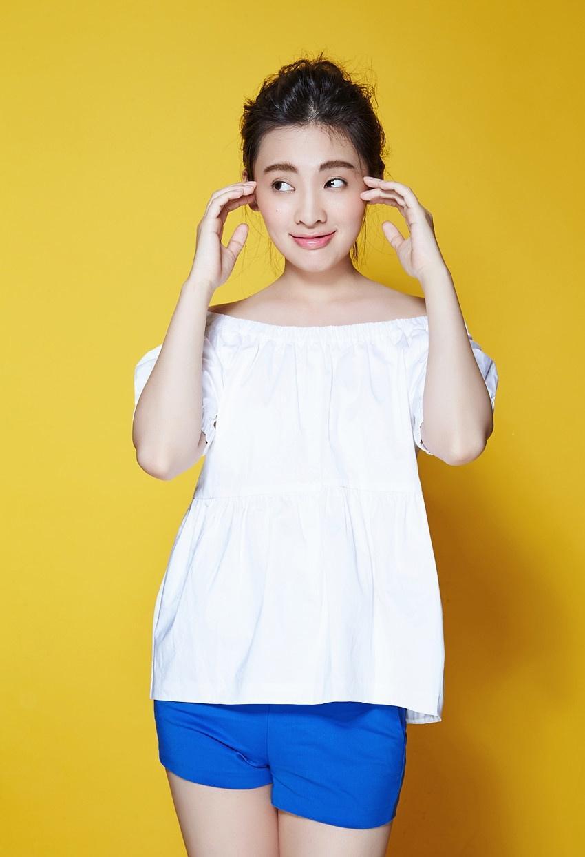 气质美女陈维涵青春甜美写真