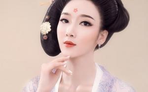 肤白貌美的性感古典妃子