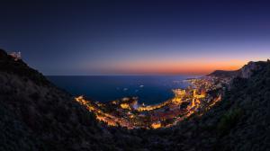 海邊城市的燈光 山 夜晚 摩納哥風景壁紙