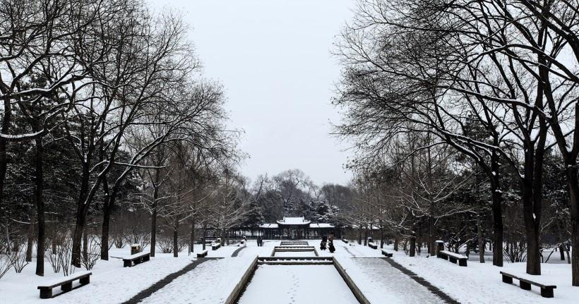 山西太原晋祠公园雪景图片