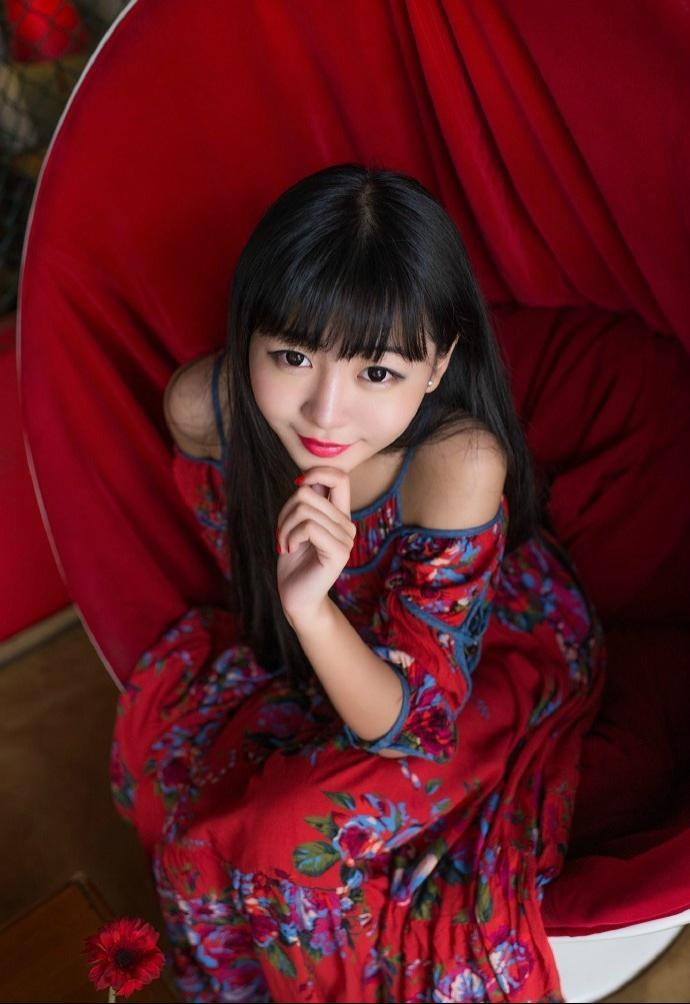私房艳丽黑长直粉嫩少女温馨时尚迷人魅力十足
