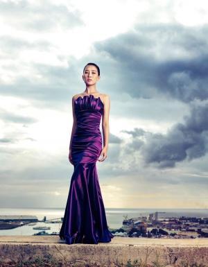 马苏演绎魅惑紫色写真