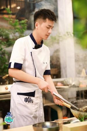 冯伟《中餐厅第四季》第十期精彩剧照图片