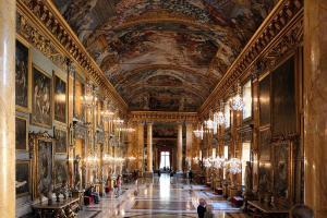 罗马最宏伟最古老的私宅之一科隆纳宫