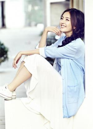 种丹妮夏日白裙写真大片