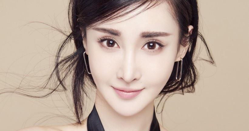 美女演员王若心