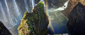 维多利亚瀑布彩虹风景壁纸
