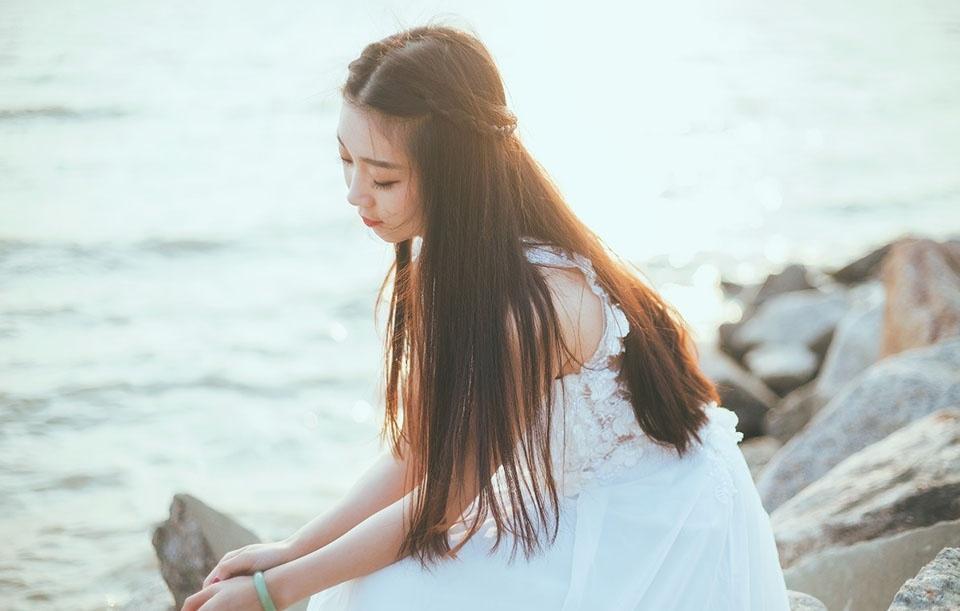 纯白天使的甜美靓丽写真