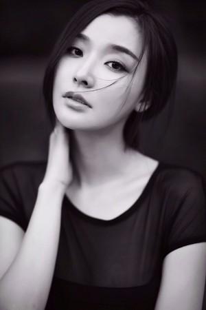 冯婧黑白唯美气质写真