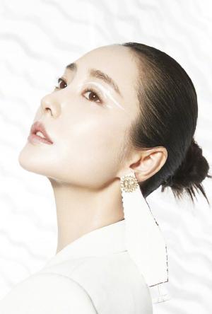 李纯时尚芭莎美妆个性创意高清写真大片