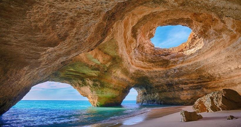 葡萄牙阿尔加维洞穴风景