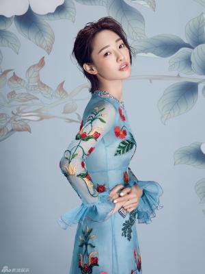 白百何性感时尚写真展露甜美笑容女神范