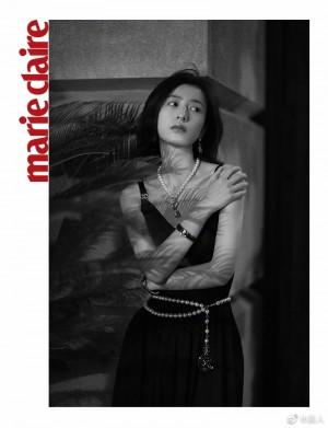 周雨彤黑色长裙优雅清冷写真图片