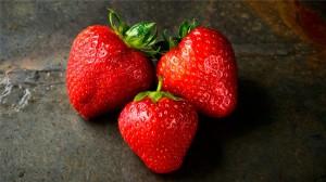 可口誘人的草莓圖片手機壁紙