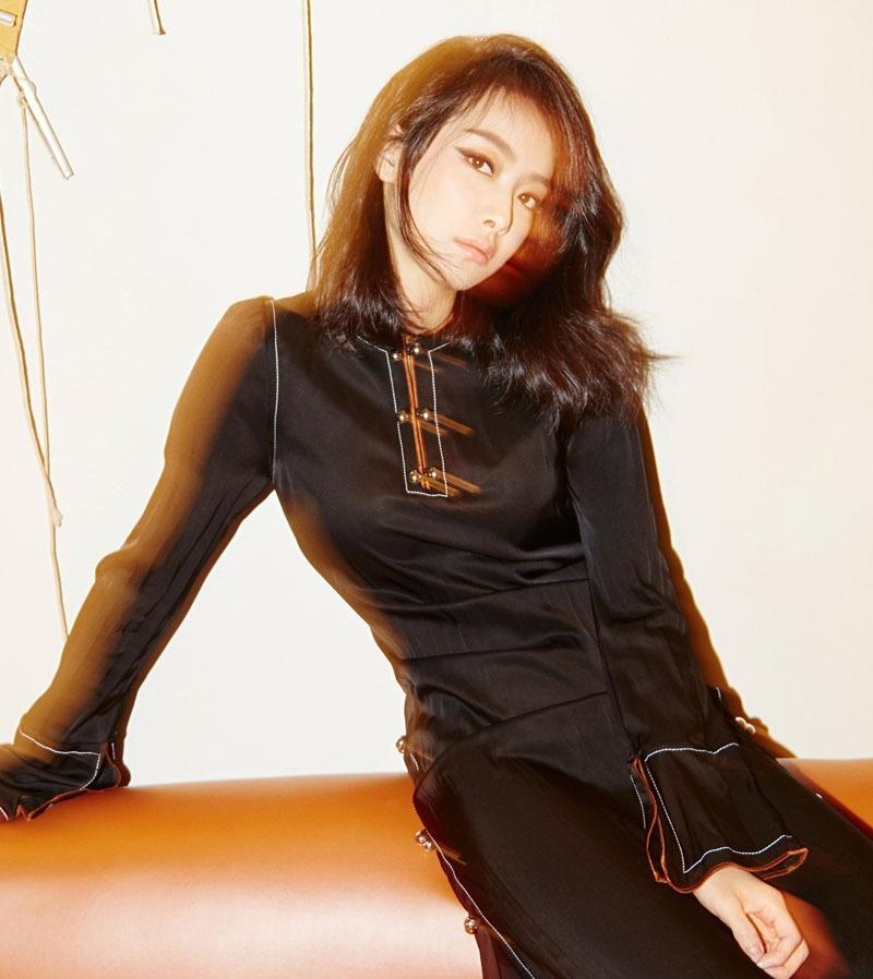宋茜红秀时尚清雅率性写真大片