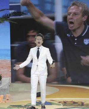 邓超俞白眉做客央视CCTV5《豪门盛宴》