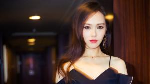 性感女神唐嫣最新写真图片