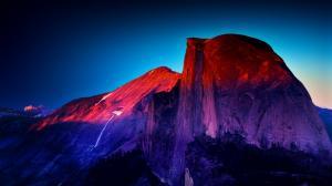 优胜美地紫色雪山风景图片
