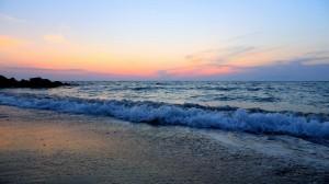 波澜壮阔的海洋风景桌面壁纸