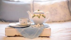 精致瓷器茶壶茶杯图片