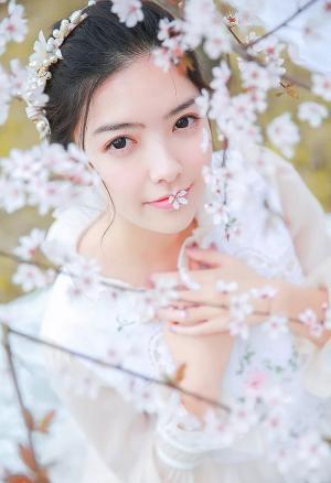 桃花落白裙子美女纯净通透唯美写真