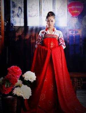 华丽典雅古装美女写真性感迷人图集