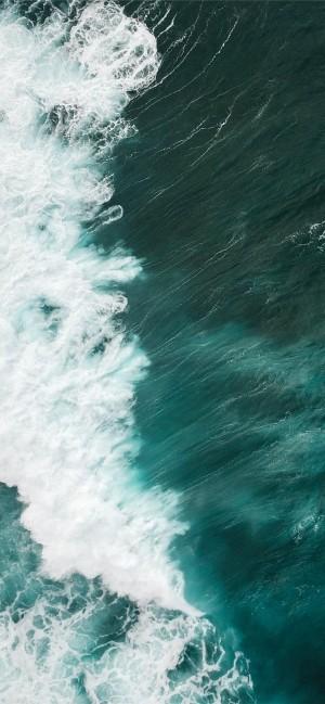 空中拍攝的浪花