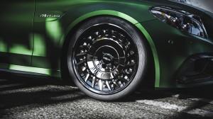 奔驰AMG c63汽车时尚图片桌面壁纸