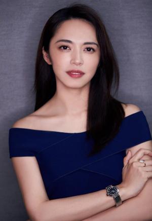 姚晨蓝色优雅长裙时尚性感写真图片
