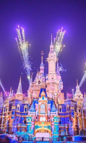 上海迪士尼璀璨的烟花秀